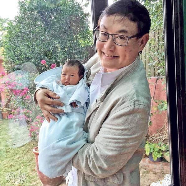 资讯生活《滚滚红尘》导演65岁再当爹!小32岁娇妻产一女