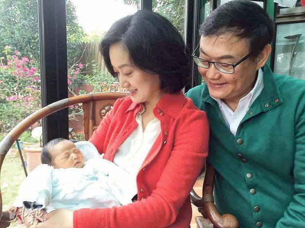 资讯生活《滚滚红尘》导演65岁再为人父 太太是自然分娩
